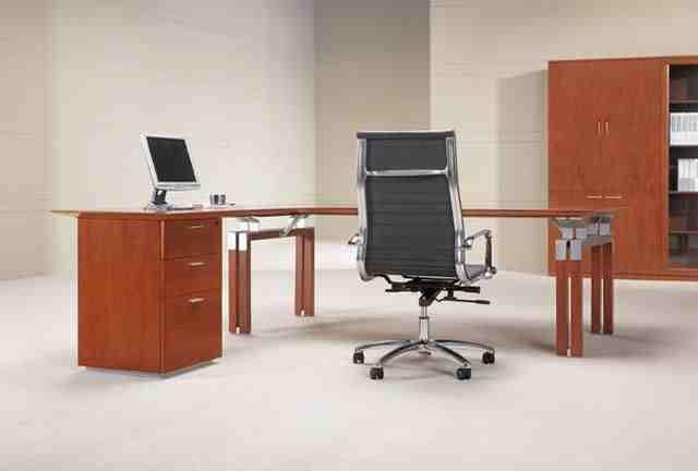 Augusta modern veneer executive desk