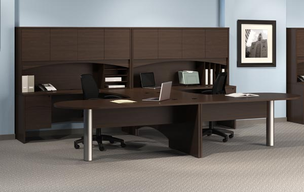 "Double penninsula ""U"" workstation with overhaed hutch"