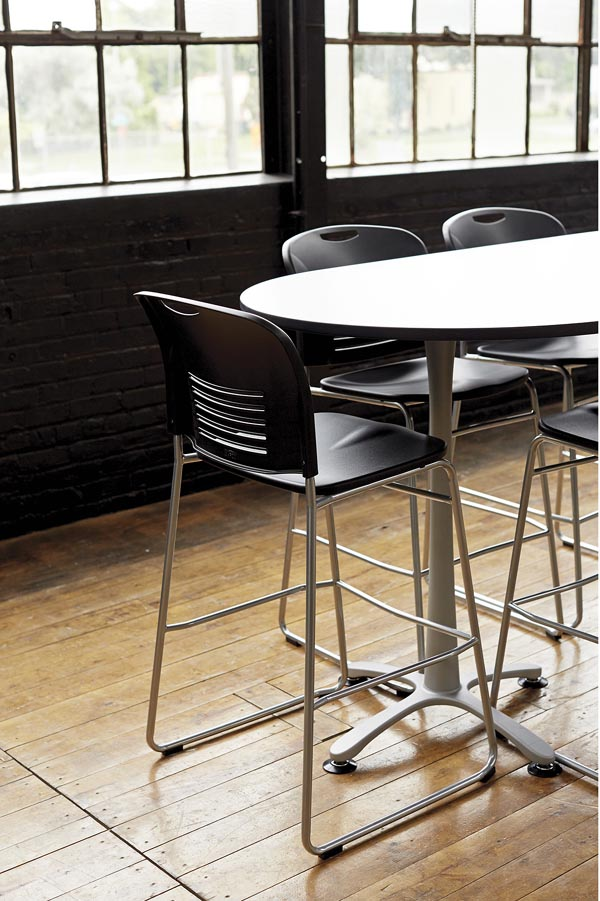 chacha racetrack bistro table with Vy bistro stools
