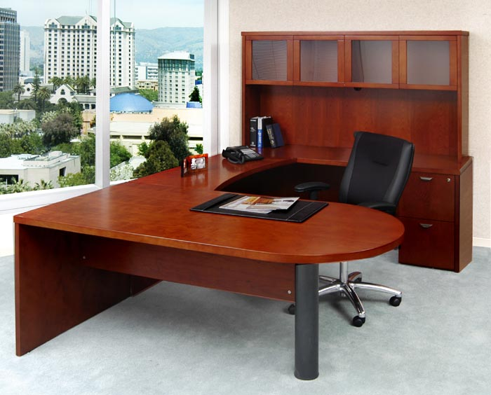peninsula U workstation with hutch